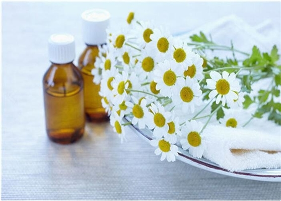 Natural Chamomile Oil , Light Yellow Liquid Living Essential Oils CAS 8015-92-7